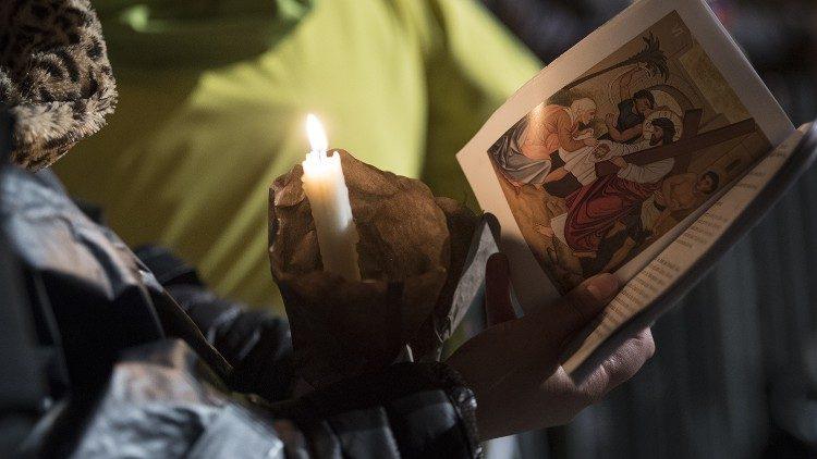 Liturgie del Triduo e Via Crucis, la Pasqua essenziale del Papa